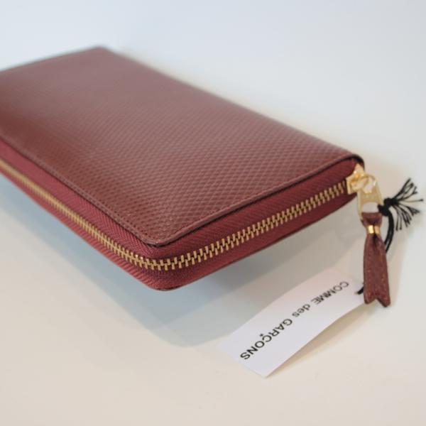 コムデギャルソンの財布 CdG-8F-D110-051-2