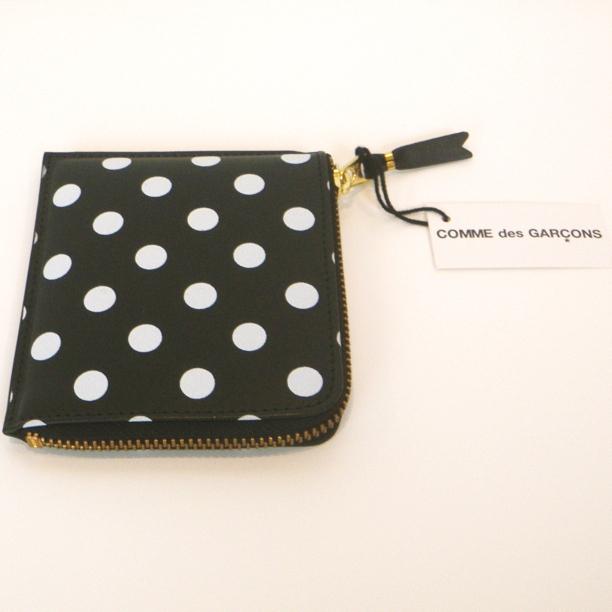 コムデギャルソンの財布 CdG-8Z-E031-051-1